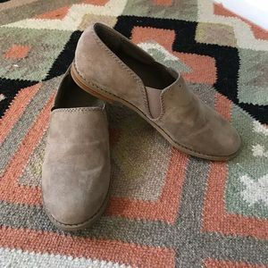 Vintage Faux Leather Tan Slip On Loafers